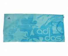 Adidas toalha+saco in a